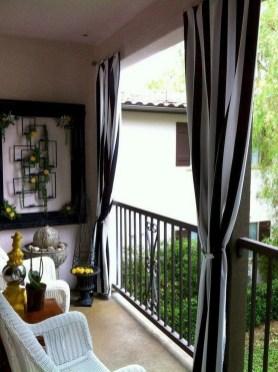 Elegant And Cozy Balcony Ideas18
