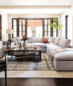 Luxury And Elegant Living Room Design30