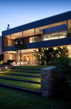 Superb Contemporary Houses Designs Surrounded By Picturesque Nature34