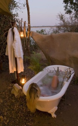 Awesome Outdoor Bathroom Ideas19