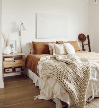 Luxury And Elegant Apartment Bed Room Ideas25