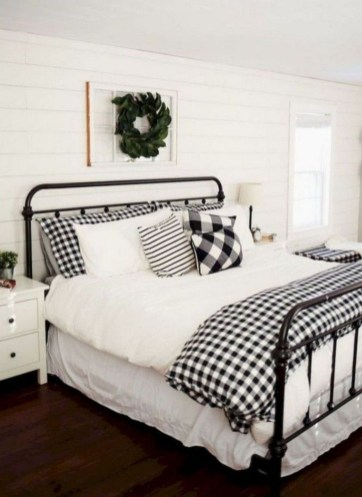 Luxury And Elegant Apartment Bed Room Ideas34