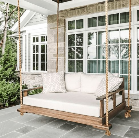 Traditional Porch Decoration Ideas12
