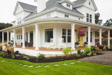 Traditional Porch Decoration Ideas33