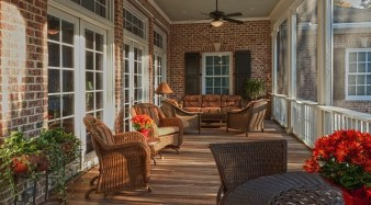Traditional Porch Decoration Ideas39