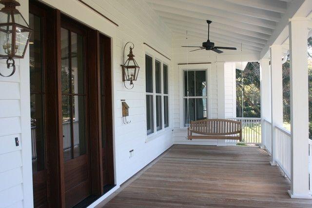 Traditional Porch Decoration Ideas40
