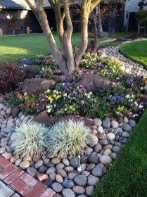 Beautiful Simple Front Yard Landscaping Design Ideas11