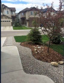 Beautiful Simple Front Yard Landscaping Design Ideas22