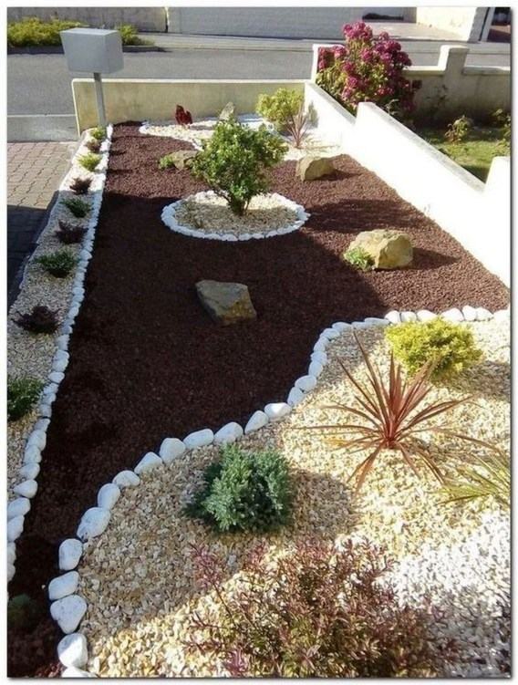 Beautiful Simple Front Yard Landscaping Design Ideas38