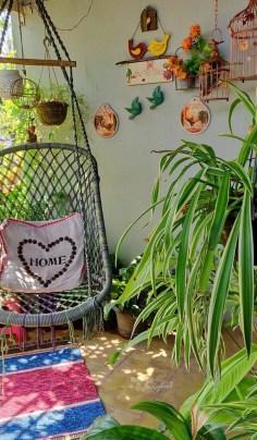 Cozy And Beautiful Green Balcony Ideas26