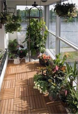 Cozy And Beautiful Green Balcony Ideas35
