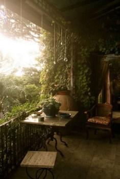 Cozy And Beautiful Green Balcony Ideas44