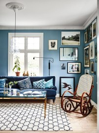 Cozy And Luxury Blue Living Room Ideas40