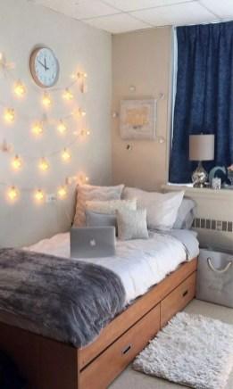 Efficient Dorm Room Organization Ideas09