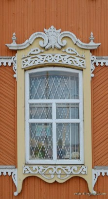 Elegant Carved Wood Window Ideas35