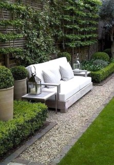 Luxury And Elegant Backyard Design41