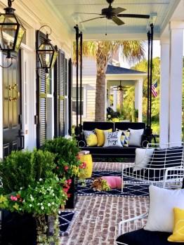 Luxury And Elegant Porch Design35