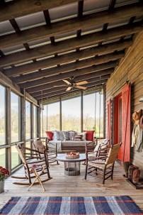 Luxury And Elegant Porch Design38