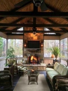 Luxury And Elegant Porch Design49