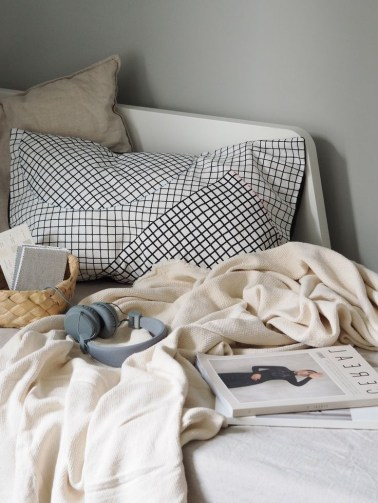 Amazing Bed For Small Space Ideas28