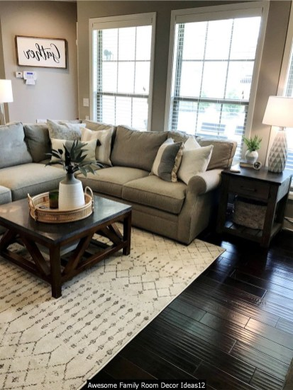 Awesome Family Room Decor Ideas12