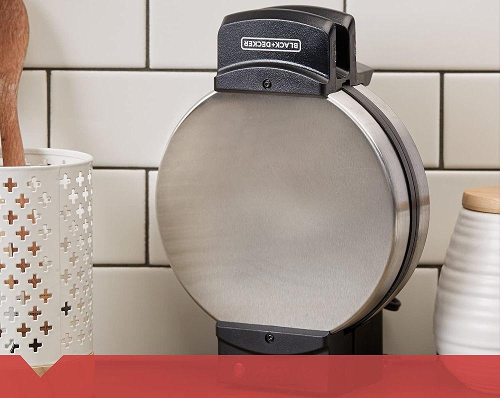 BLACKDECKER Belgian Waffle Maker