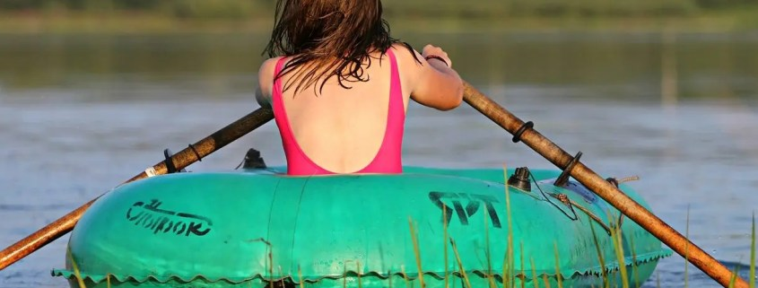 What to do if Your Inflatable Boat gets Punctured on Water