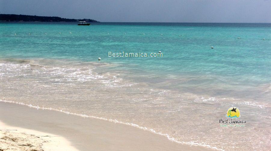 Royalton White Sand Beach