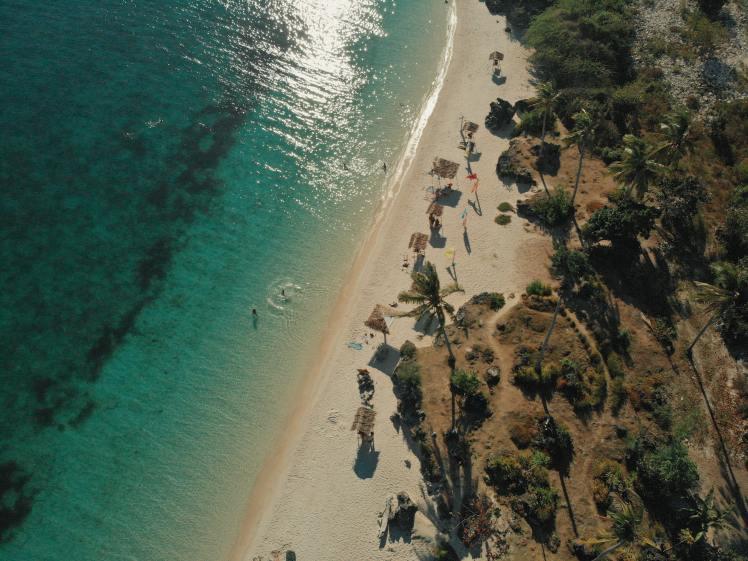 aerial-photography-of-seashore-2524370