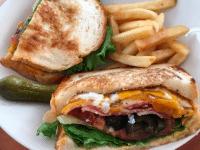 Sasa Burger take out BECOLT sandwich