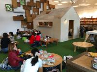 Organic Cafe Lulu floor seating