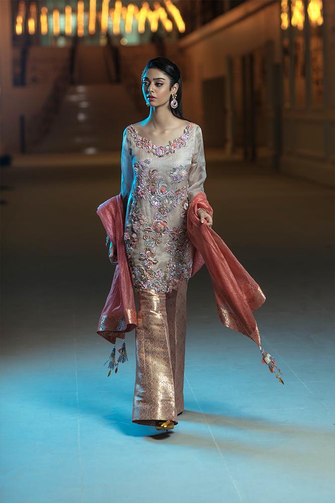 Silk Organza Mehndi Dress for Summer Weddings by Ammarah Khan