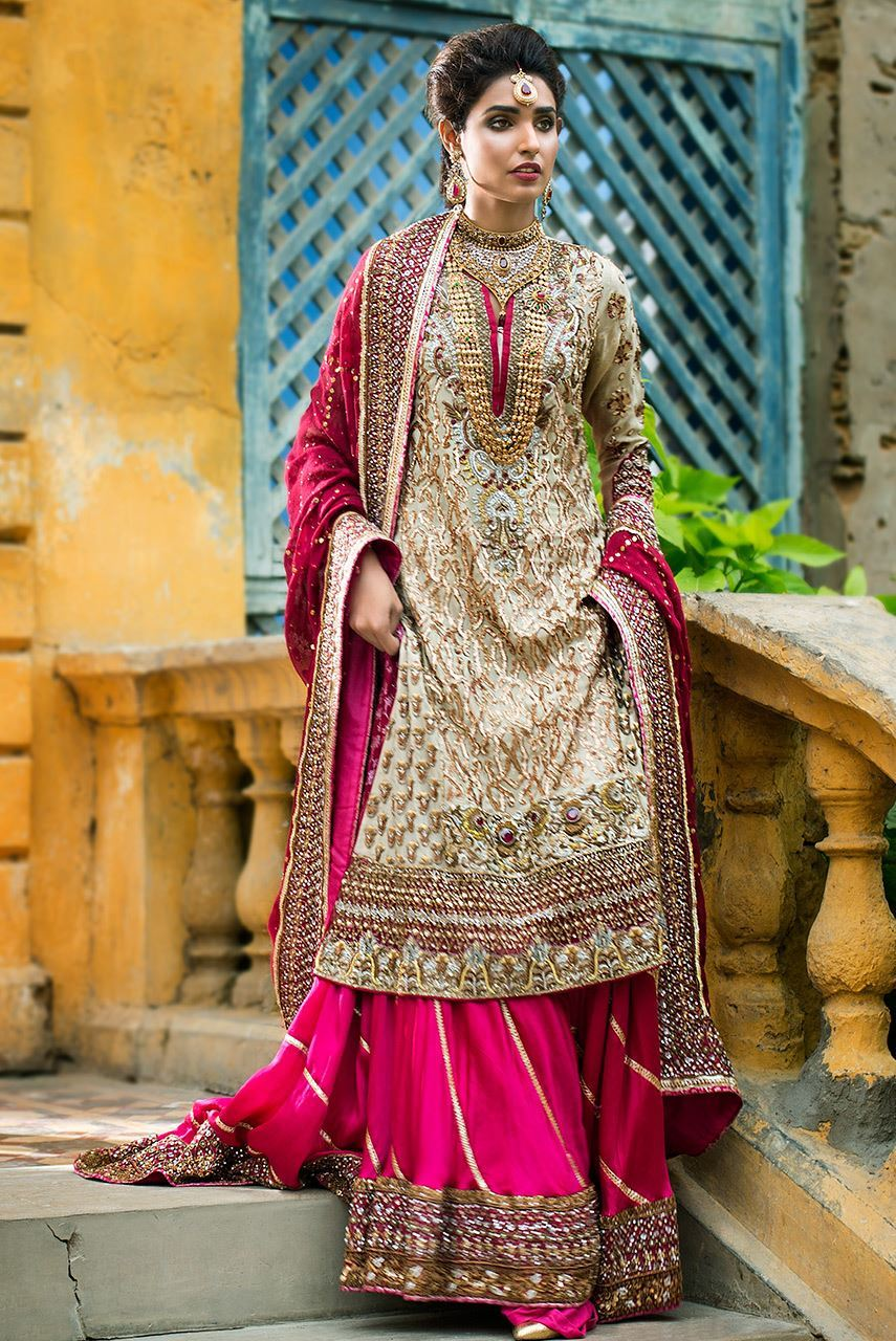 Simple Bridal Mehndi Outfit