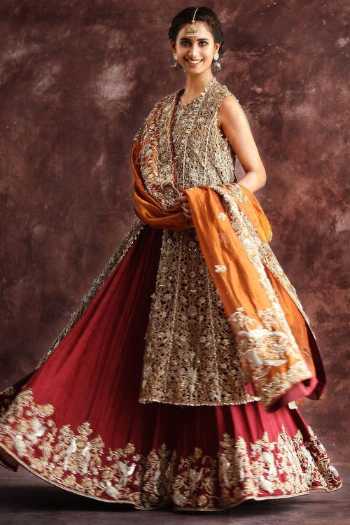 mehndi outfits for indian brides