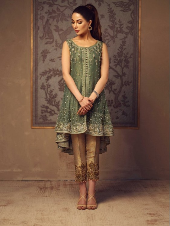 green mehndi outfit by Umsha by Uzma Babar