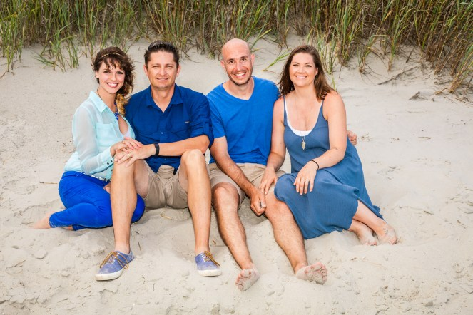 What to wear for family beach portraits in winter time.