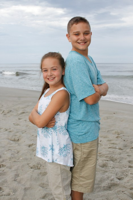 Simple posing techniques for siblings