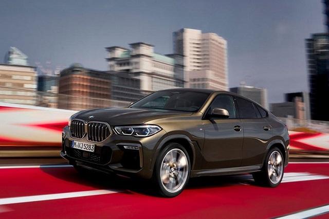 2022 BMW X6 side view
