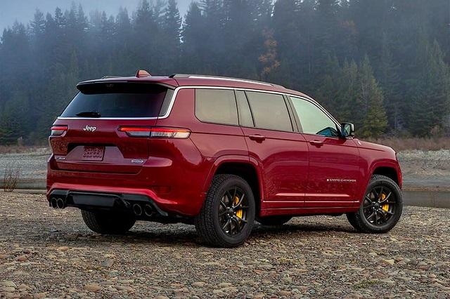 2022 Jeep Grand Cherokee Trackhawk rear view
