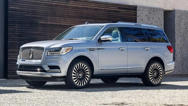 2022 lincoln navigator front view