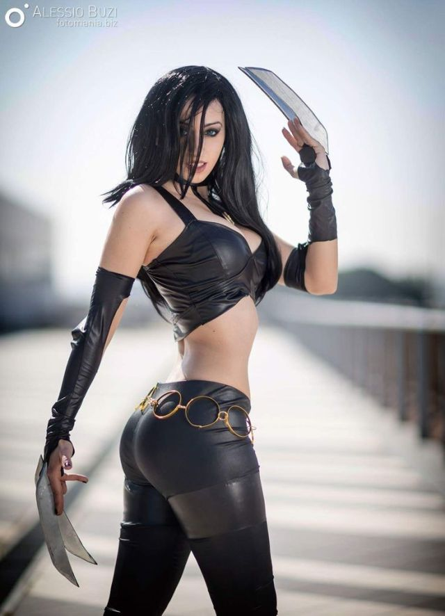 X-23 Cosplays Sexy in Black