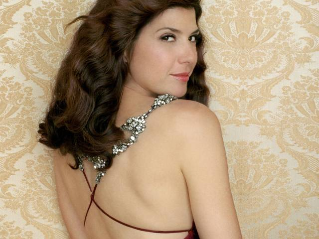 Marisa Tomei backless