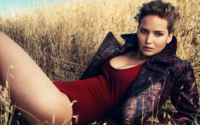 Jennifer Lawrence Outdoor