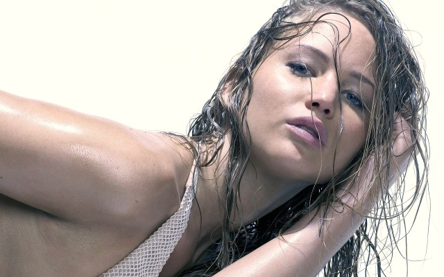 Jennifer Lawrence Too Hot
