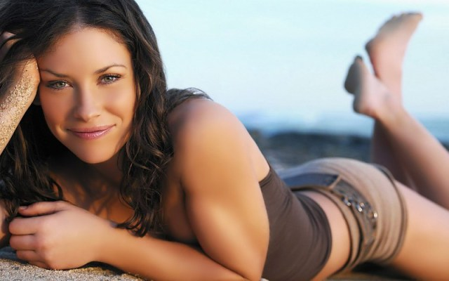 Evangeline Lilly in Beach