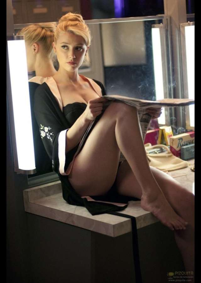 Amber Heard Hot Pictures