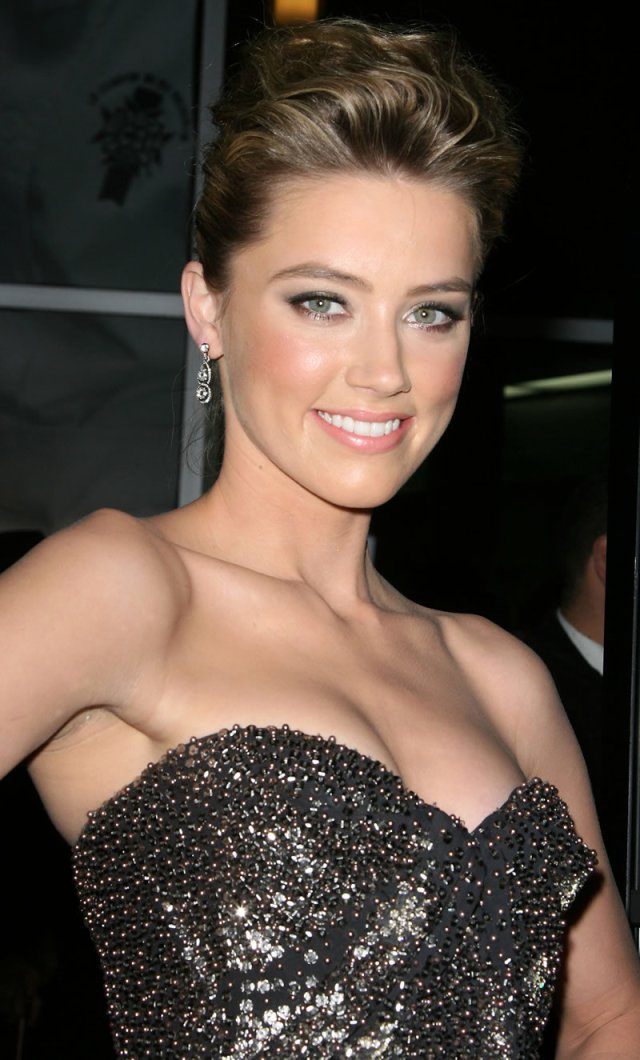 Amber Heard Hot Eyes