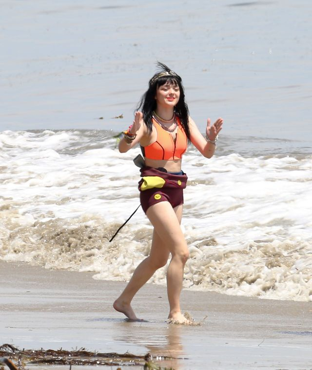 Maisie Williams Bikini