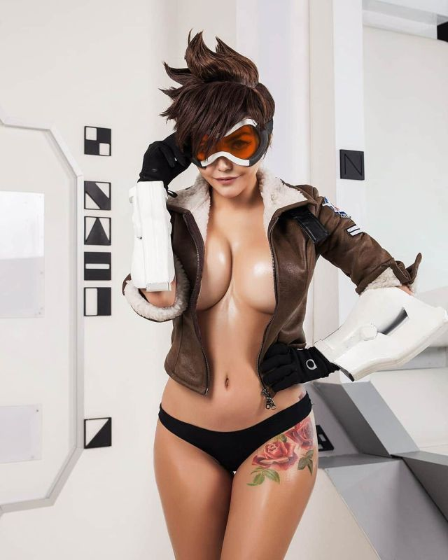 Tracer Sexy Cosplay