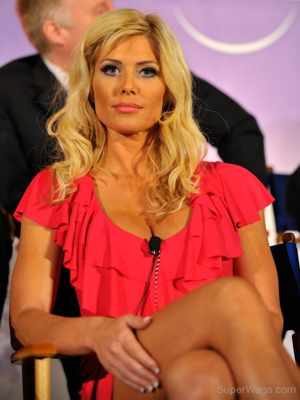 torrie wilson beautiful look